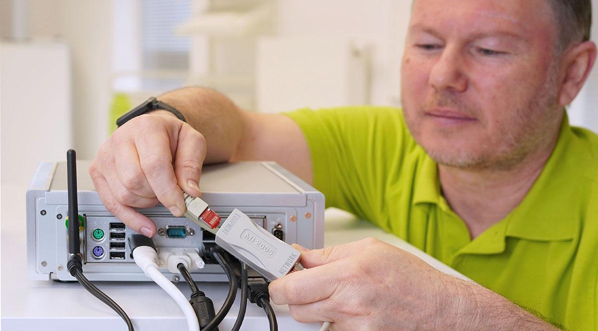 Netzwerkisolator-MI-2005-einfach-installiert-Baaske-Medical